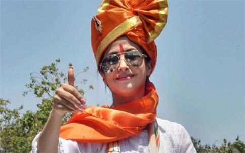 Shiv Sena Picks Urmila for MLC