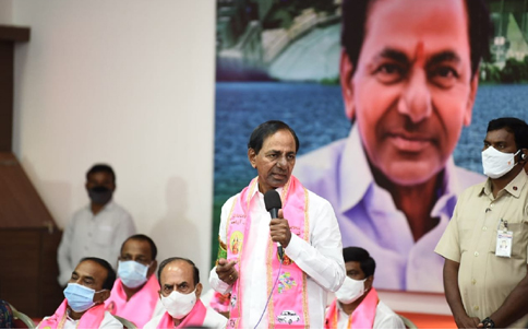 KCR hints at going national once again
