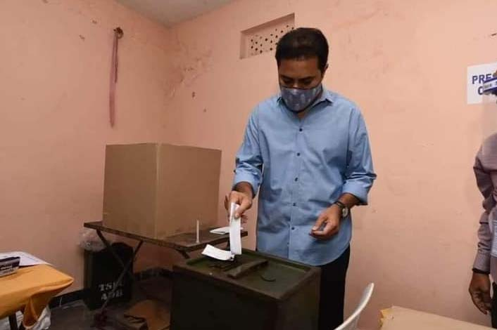 Telangana Minister and TRS leader, KT Rama Rao casts his vote