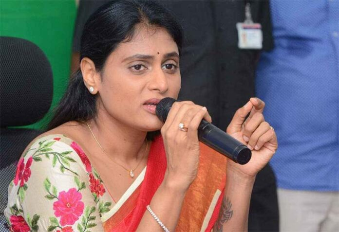 Sharmila objects to malicious story in Andhra Jyothy