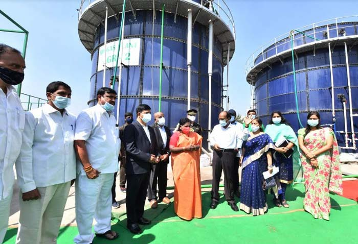 Governor visits Bowenpally agriculture market